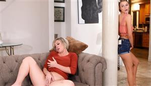 mommysgirl-19-04-13-emma-hix-and-dee-williams-mastur-baiting-mommy.jpg