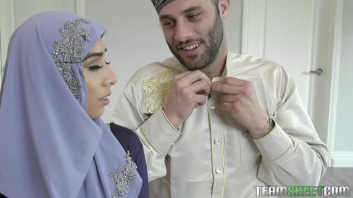 T3enCurv3s Violet Myers Childbearing Hijab Hips [FullHD 1080P]