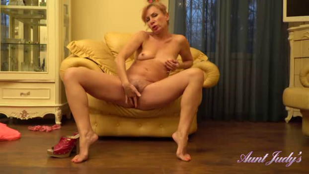 auntjudys-19-04-15-kate-finishes-light-housework-with-a-furious-pussy-rubbing.png