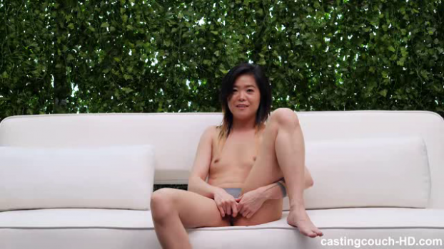 castingcouch-hd-19-03-22-roxane.png
