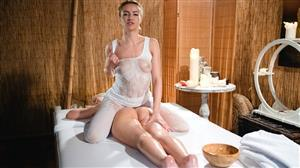 massagerooms-19-04-17-cherry-kiss-and-lovita-fate.jpg
