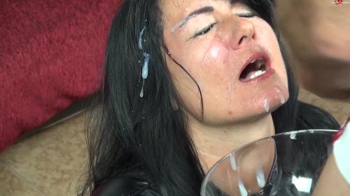 Alexandra-Wett - Gesichts Sperma-Gangbang - Meine Fresse ist fuer alle da [FullHD 1080P]
