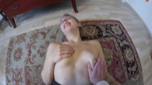 Sarah_Secret - Mit Vollgepumter Spermamuschi zum Mitarbeitergespraech [FullHD 1080P]