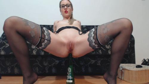 [ScatShop com] Freaky Baby – Desperate Panty Poop and Cleaning the Mess [Scat, Piss, Teen]