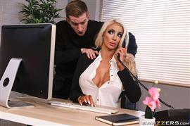 dirtymasseur-19-04-22-nicolette-shea-massaged-on-the-job.jpg