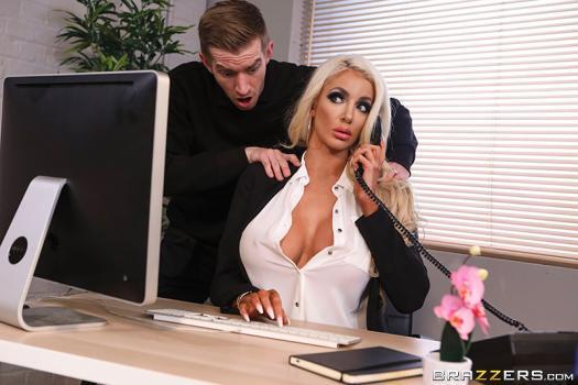 dirtymasseur-19-04-22-nicolette-shea-massaged-on-the-job.jpg