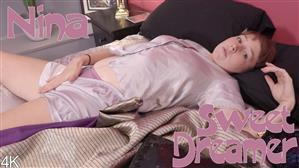 girlsoutwest-19-04-23-nina-sweet-dreamer.jpg