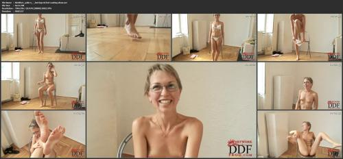 Hot legs & feet casting show Video with Yulie N