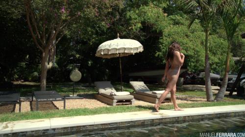 M@nuelFerr@r@ Adria Rae Shows Off Her Glorious Gape [FullHD 1080P]