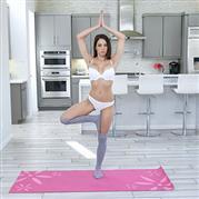 fullofjoi-19-04-08-eva-long-nude-yoga-lessons.jpg